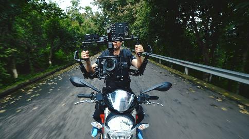 穆威传媒特技摄影师