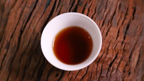 普洱熟茶中有酸味是正常的吗?