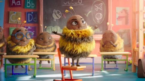 暖心的圣诞广告:蜜蜂不会飞