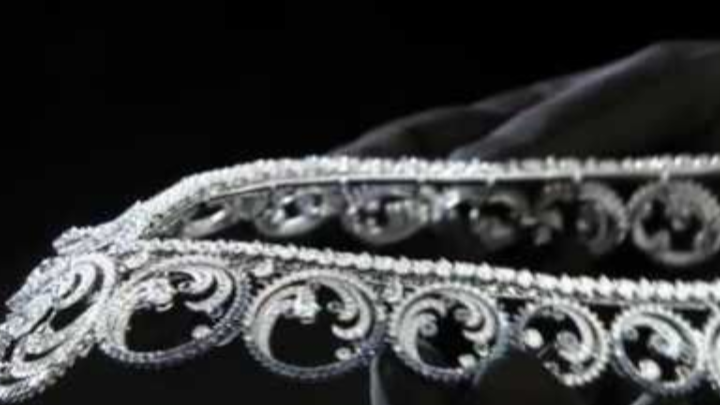 Van Cleef & Arpels has been chosen by HSH Princess Charlene to create a set of jewellery: Ocean