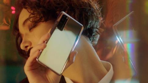 华为Nova7最新广告片《灯光下的逐梦人》