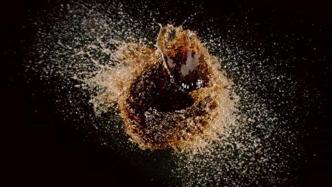 肯德基黑糖波波脏脏可乐炸裂上市!