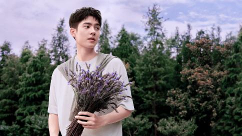 刘昊然+祖玛珑香水广告