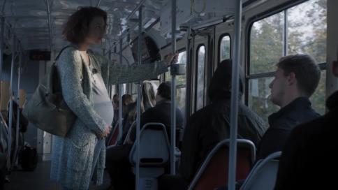 捷克红十字会公益广告-不要等着别人来做好事
