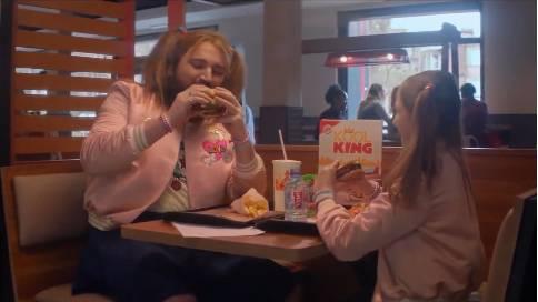 汉堡王产品广告《和爸爸一起吃的汉堡》