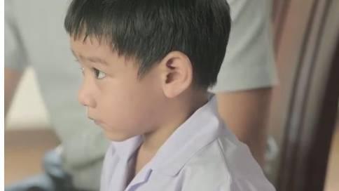 泰国奶粉广告《老师叫妈妈到学校》